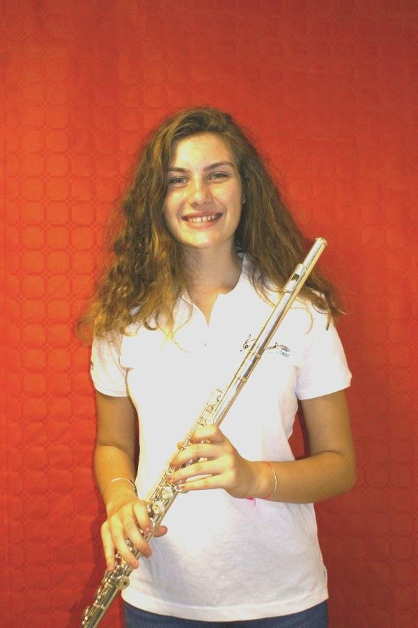 justine flute piccolo musicienne fanfare la-boucalaise harmonie musique