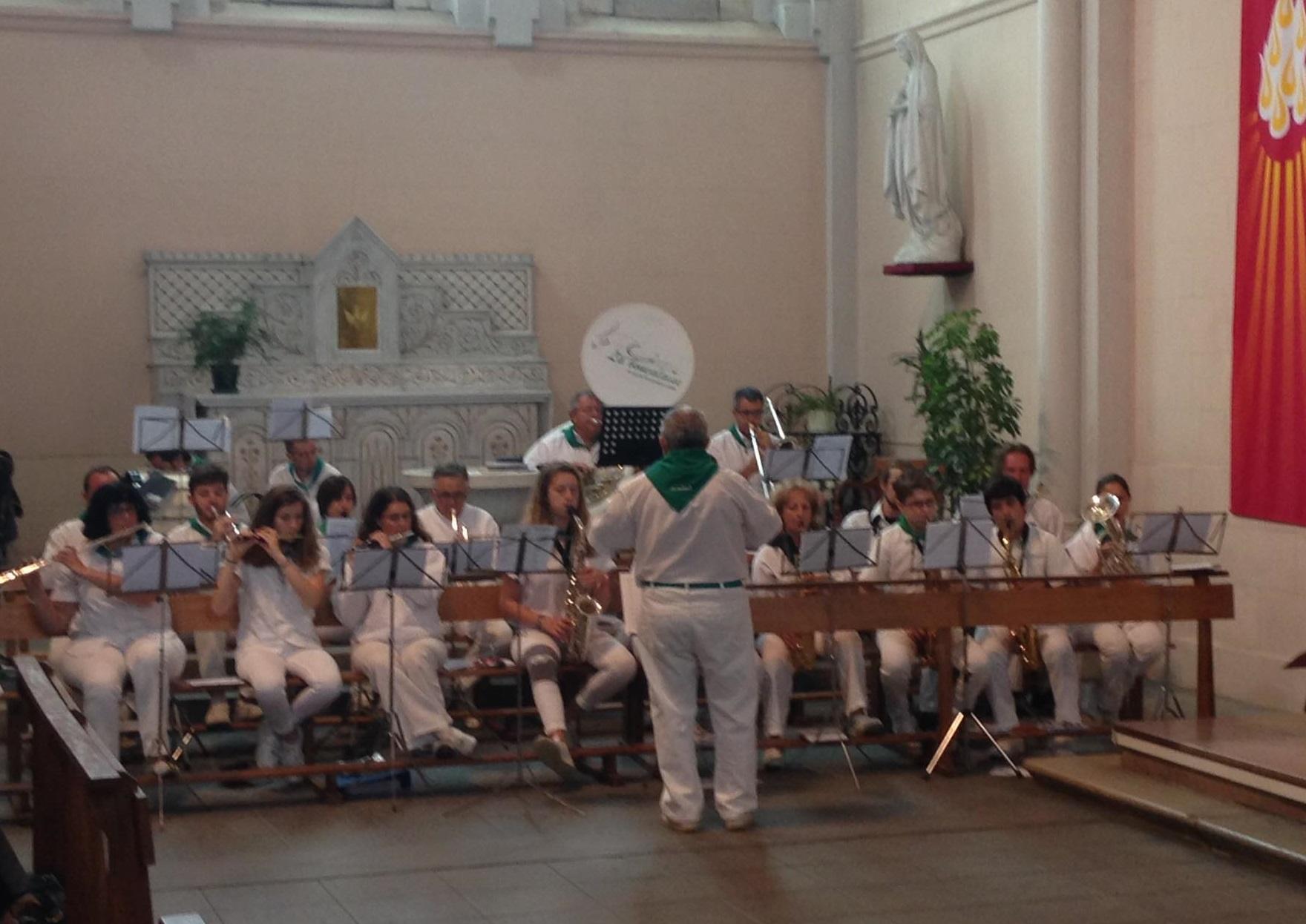ceremonie religieuse fanfare la-boucalaise musique harmonie bandas