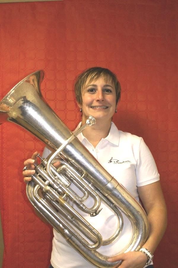 Mélanie euphonium saxhorn baryton fanfare la-boucalaise musicienne harmonie