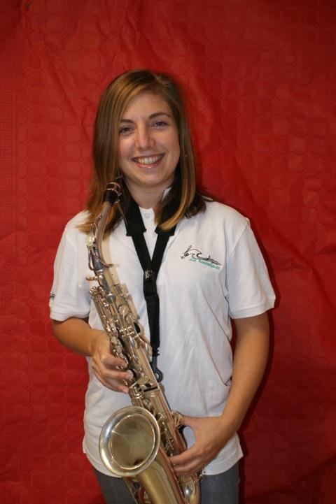 Charlène musicienne saxophone alto fanfare la-boucalaise harmonie